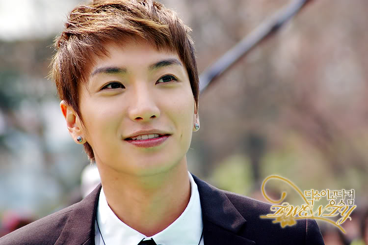 http://starjunior.files.wordpress.com/2010/06/leeteuk1.jpg